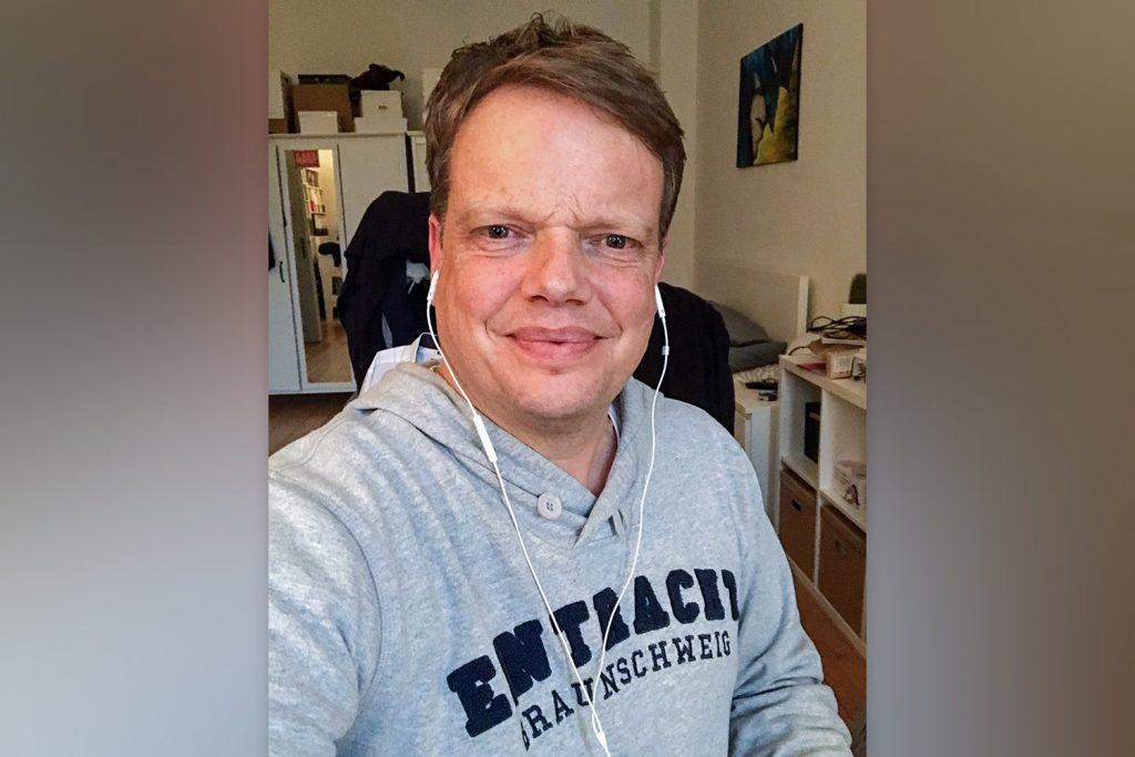 Eintracht-Präsident Christoph Bratmann war bei Henrike Hoy und Markus Hörster im Podcast Eintracht InTeam 285 auf Radio Okerwelle in Braunschweig zu Gast.